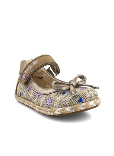 Cici Bebe Ayakkabı Cicibebe Ketetn Parlak Kumaş Ve Hasır Detaylı Cırtcırtlı Arkası Kapalı Rugan Kum Kız Çocuk Babet Bej